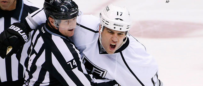 lucic-fuming-white-la-kings-with-ref
