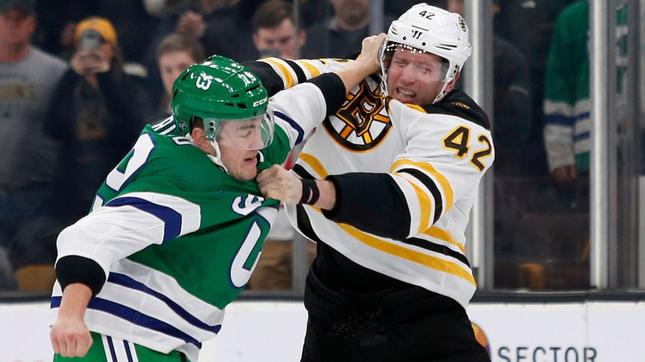 hurricanes-micheal-ferland-bruins-david-backes-fight